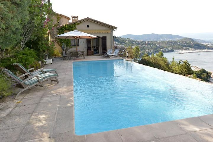 Provencal Villa overlooking the bay of Cannes - Théoule-sur-Mer - Villa