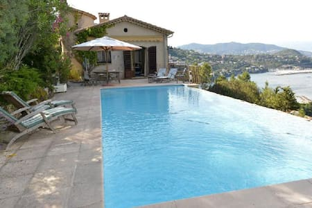 Provencal Villa overlooking the bay of Cannes - Théoule-sur-Mer