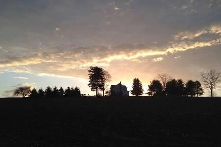 Allegheny Farmhouse Retreat