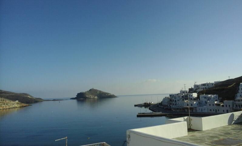 διαμέρισμα με πανοραμική θέα στον Πάνορμο - Tinos