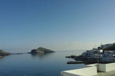 διαμέρισμα με πανοραμική θέα στον Πάνορμο - Tinos - Dom