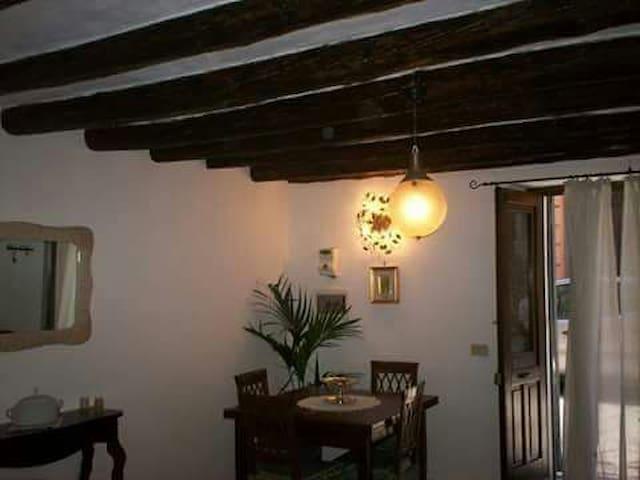 Splitlevel rooms,living,bath&kitchen at Chattedral - Palermo - Apartamento