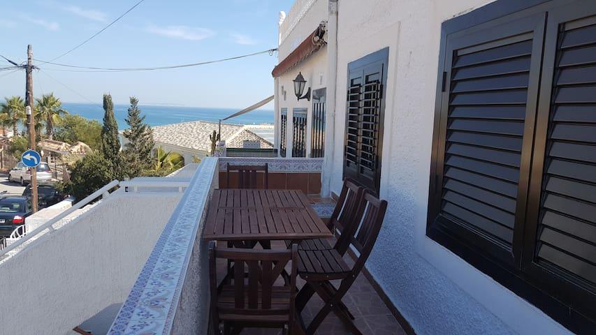 Bungalow 300 m beach - Torre La Mata - Huis