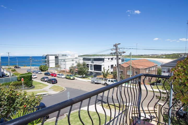 Haven - close to beach with garden - Maroubra - Casa
