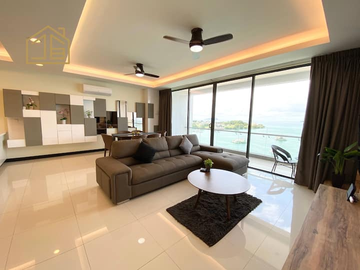 Homesuite'【OP#01】| Luxury Suite at Oceanus Mall KK