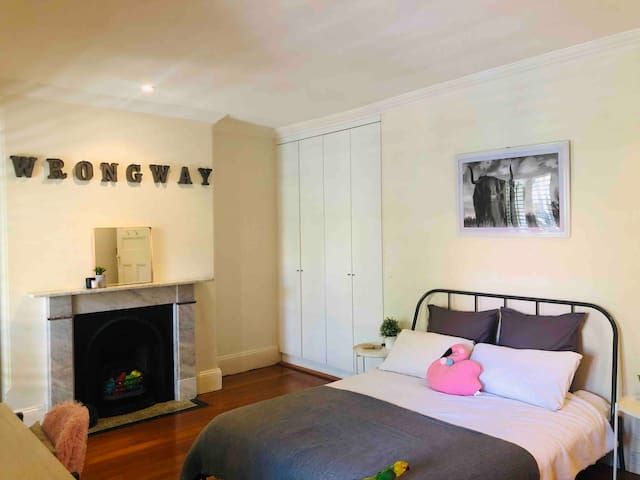 Huge master room & balcony in Surry Hills