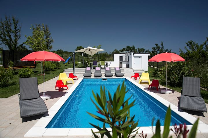 Gorgeous pool-house CASA-MIRELA - Ližnjan - วิลล่า