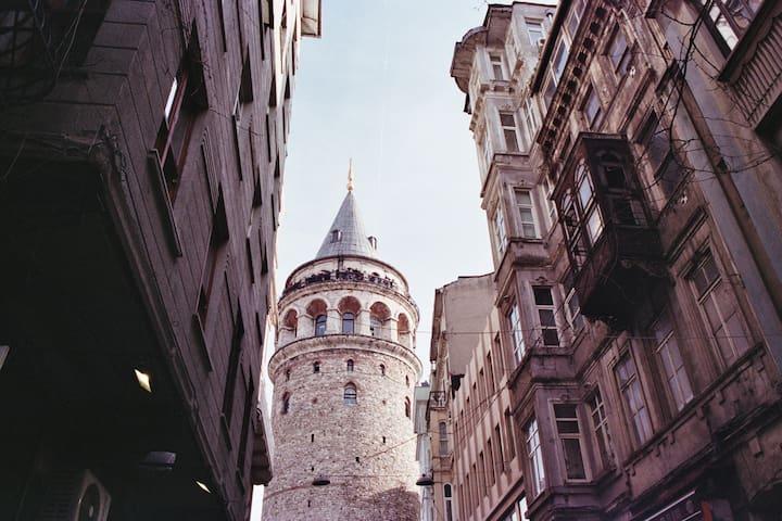 10 min walking distance to galata tower