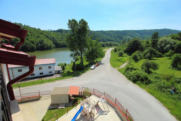 Tryavna Lake Apartment