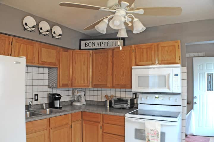 Remodeled  home near Downtown & State Fairgrounds!