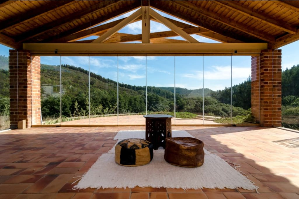 Meditation Temple: Meditate or Yoga with 100% Natural Vistas