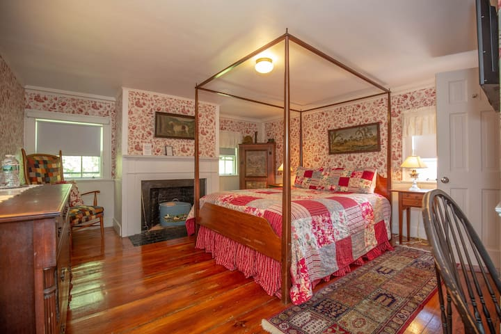 Clark Currier Inn - Noyes Room