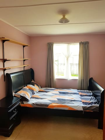 Cozy and spacious room in Hutt Valley