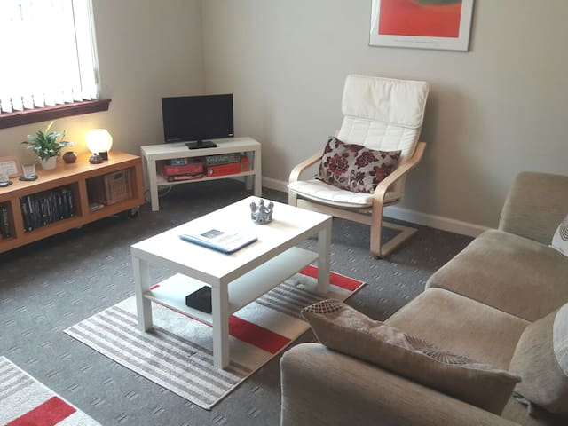 Cosy flat in Forfar, Angus, & close to Dundee.