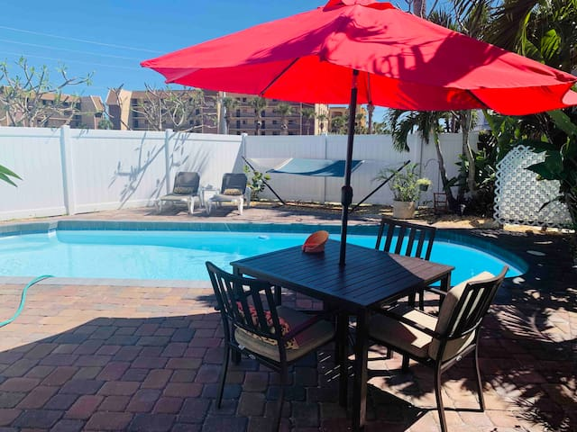 4Bd/4Bth Paradise in Cape Canaveral