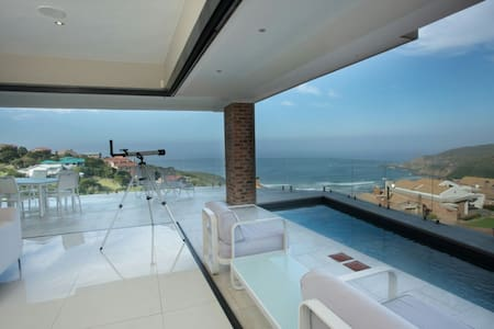 House with sea and mountain views - George