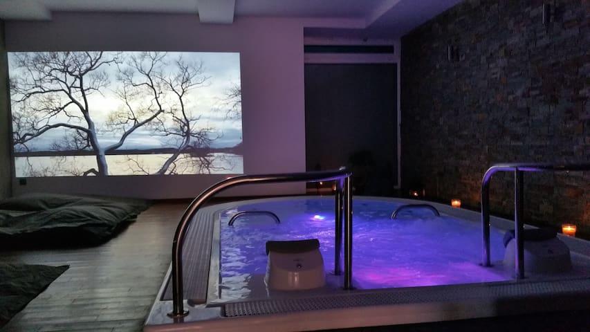 nuit insolite avec jacuzzi,sauna et hammam