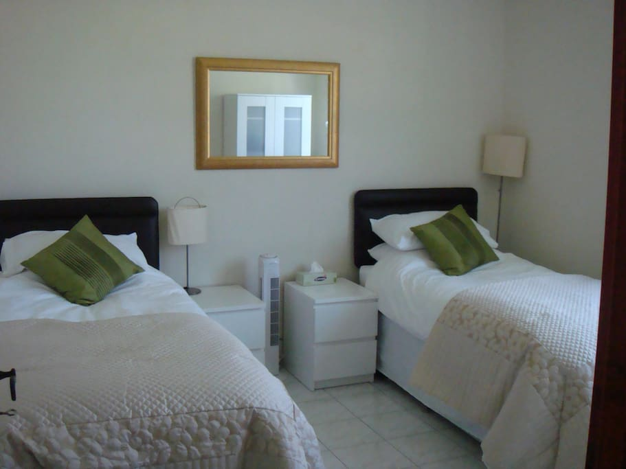 Twin bedroom, beds can be made into a superking size double bed