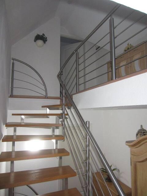Liebevoll eingerichtete Dachgeschoss Wohnung