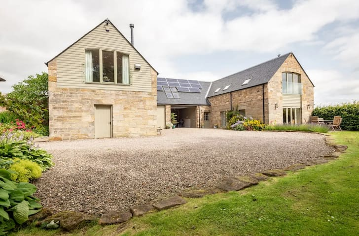 The Beehouse, Dairsie, St Andrews - a secret gem