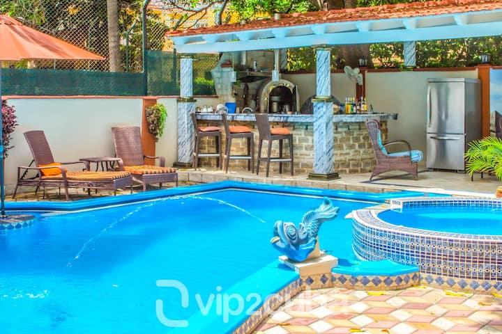 VIP Luxury 7BR Villa with pool in Miramar/wifi