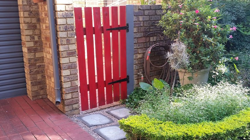 Use the red gate for the flat