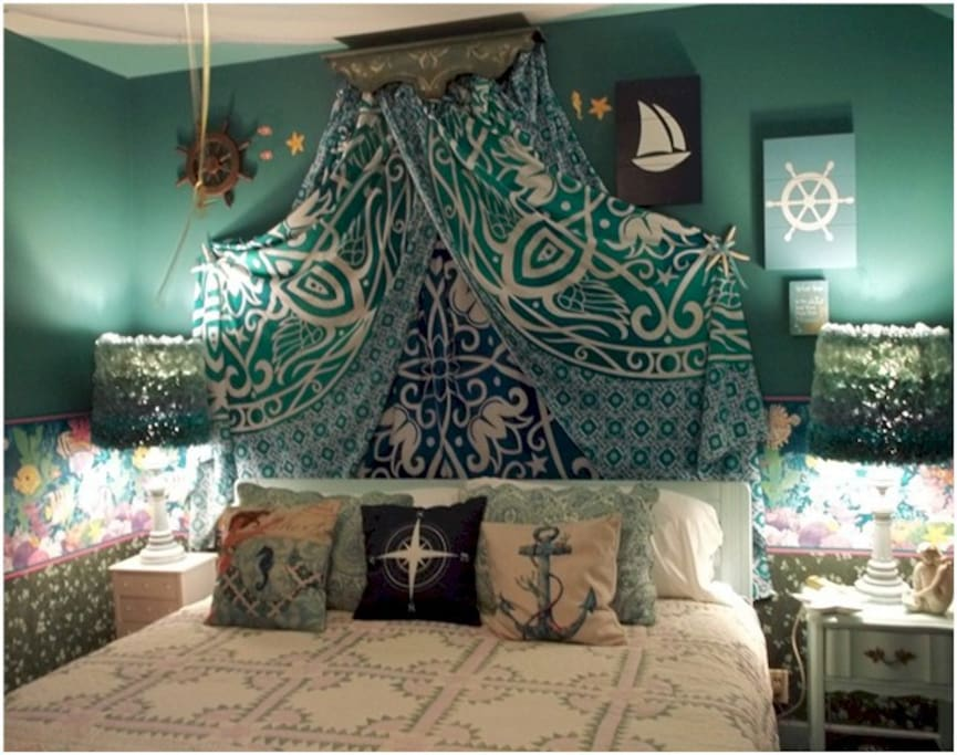In the Mermaid Room the king size bed is quite comfortable.