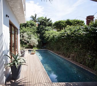 Pretty room with view, family home - Durban