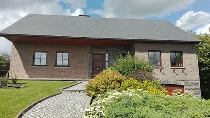 La villa des Combes (500mètres circuit F1) - Malmedy - Villa