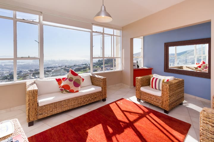 Beautiful, light apartment with breathtaking views