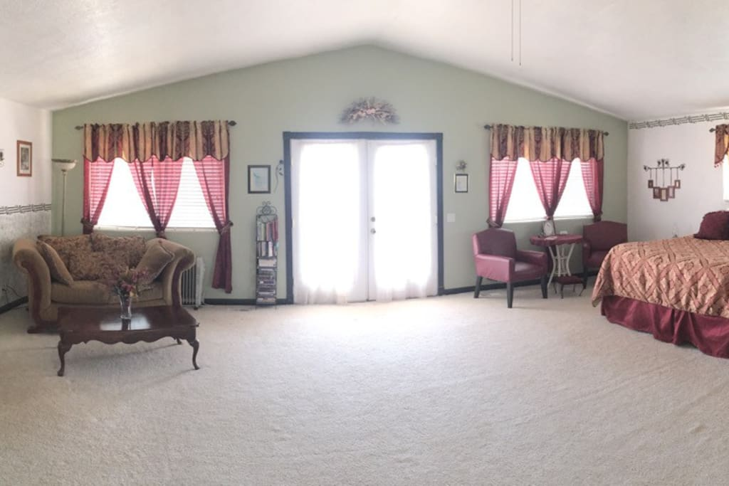 Large master suite with sitting area