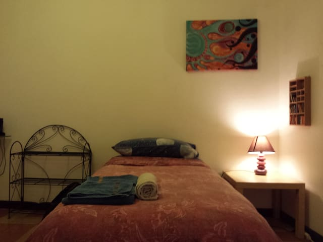 Single room, near center, Fiera, Sant'Orsola H.
