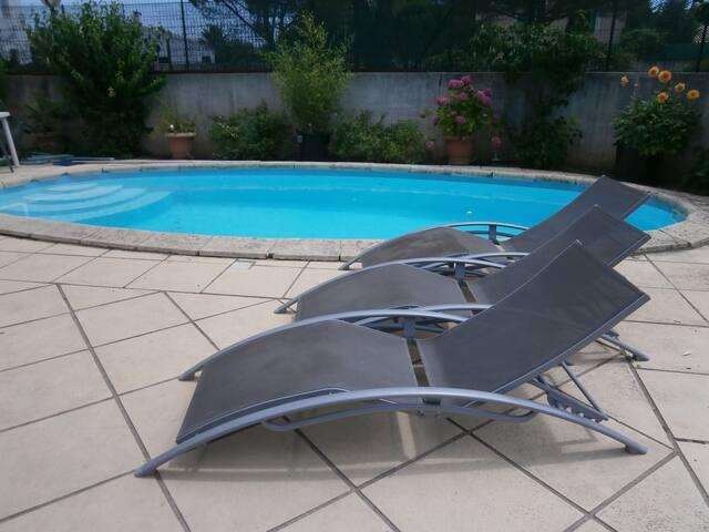 Chambre d'hôtes: piscine + ptit déj - Montpellier - Bed & Breakfast