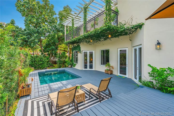 LUXURY  VILLA /5BD☆POOL w JACUZZI☆ BRICKELL CENTER
