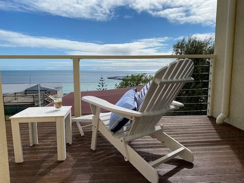 *New Listing* Townhouse with breathtaking views.