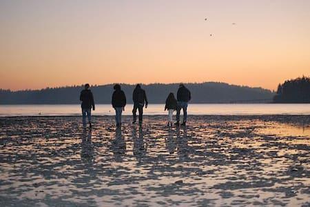 Pacific Northwest Getaway Indianola - インディアノーラ - 一軒家