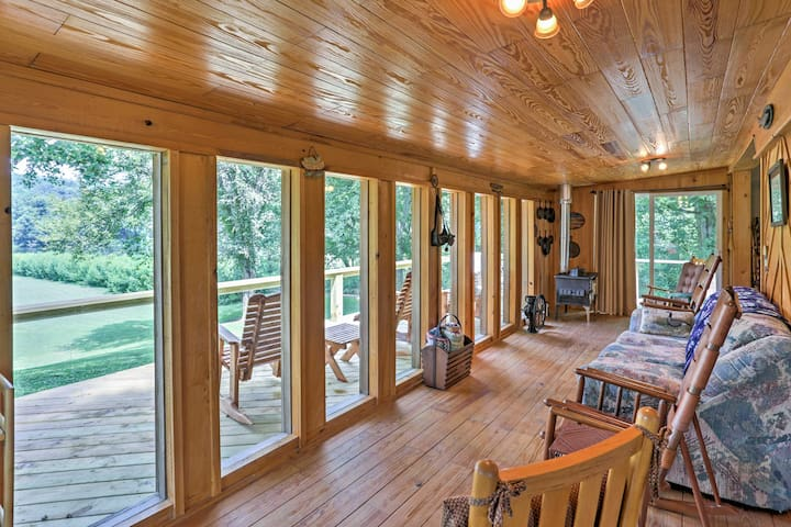 Spend your days lounging in the sunroom, catching glimpses of wildlife.