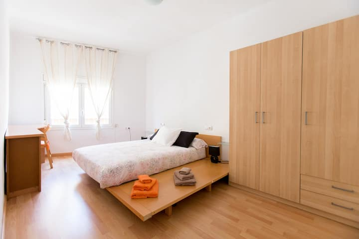 Apartment  20 'barcelona.  HUTB-013410
