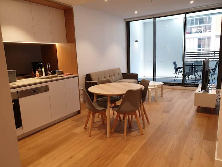 Modern Two Bedroom Apartment in Heart of Sydney