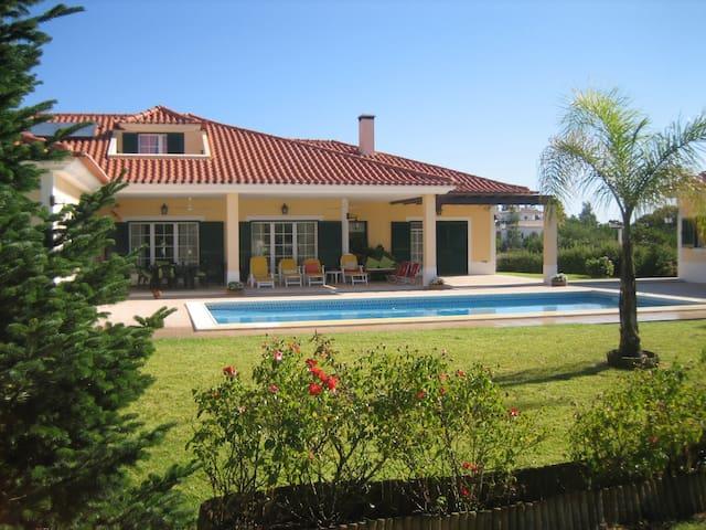 Charming cottage 30 min. of Lisbon - Santo Estevão - Huis