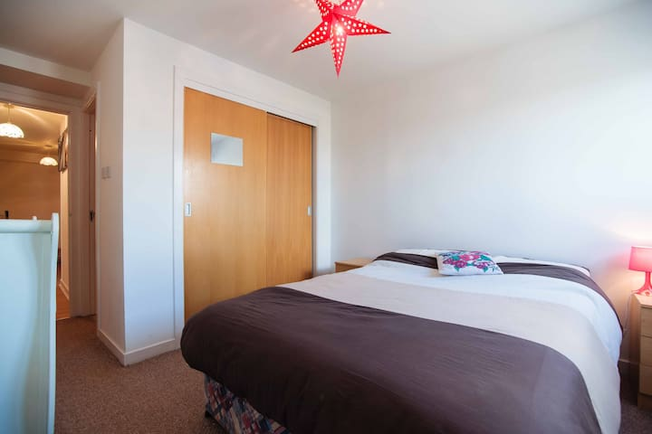 Cool City Centre Room with Private Ensuite