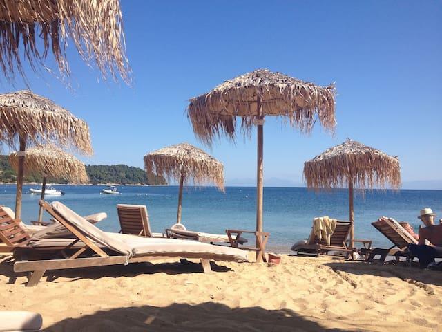 Traditional Seaside Villa - Skiathos - Maison