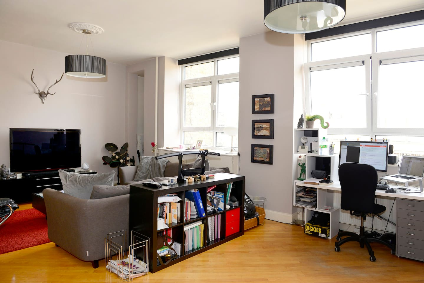 Spacious Stylish 1BD Apartment in East London