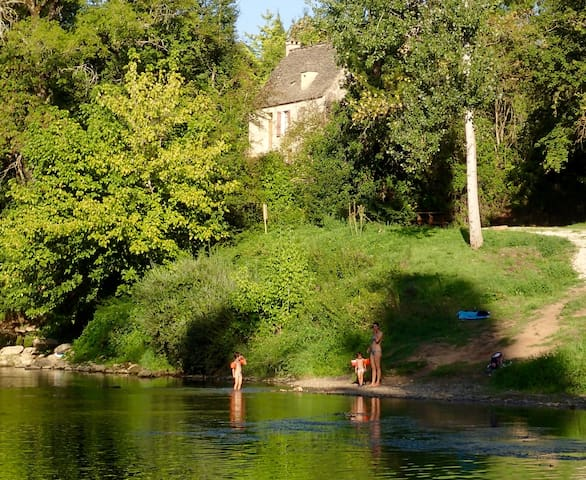 Maison en pierre au bord de la Vézère - Montignac - Ev