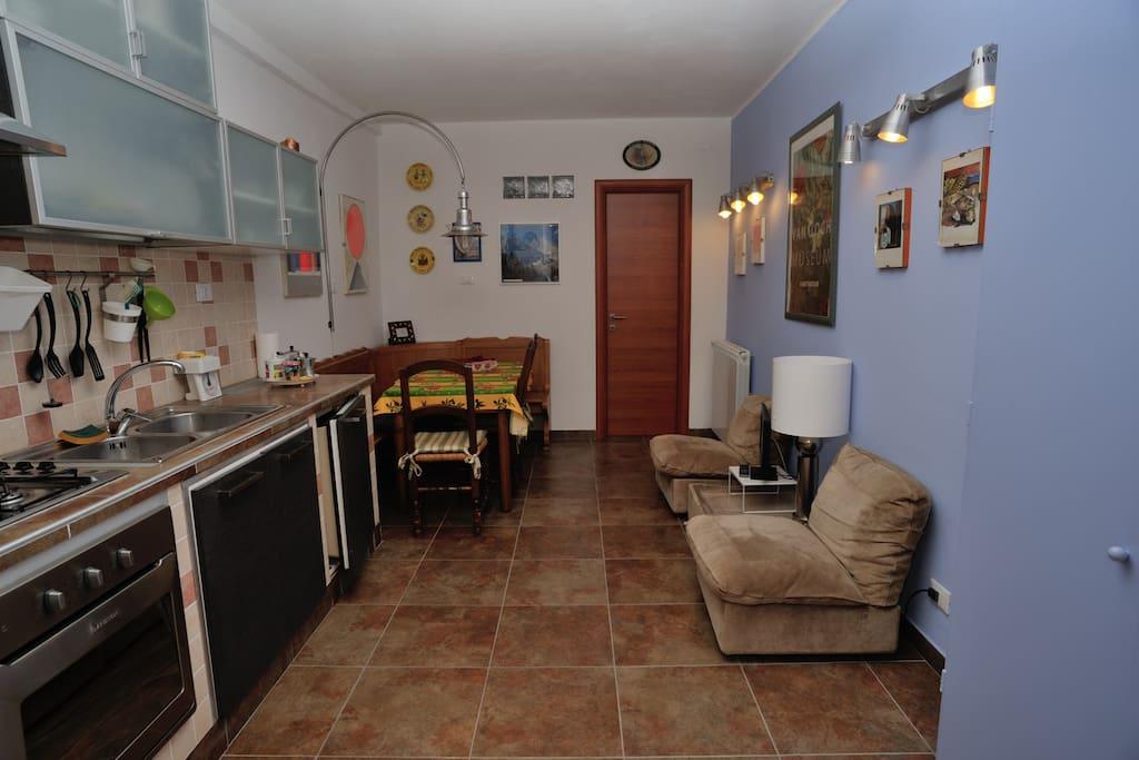 cucina con zona relax