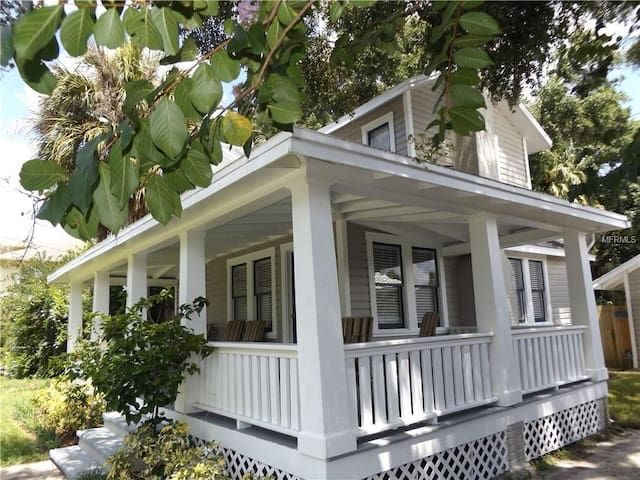 2/2 Seminole Heights Bungalow! Close to Everything