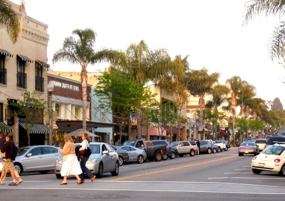 15 minutes from quaint Downtown Ventura, with antique and consignment shops, restaurant & bars