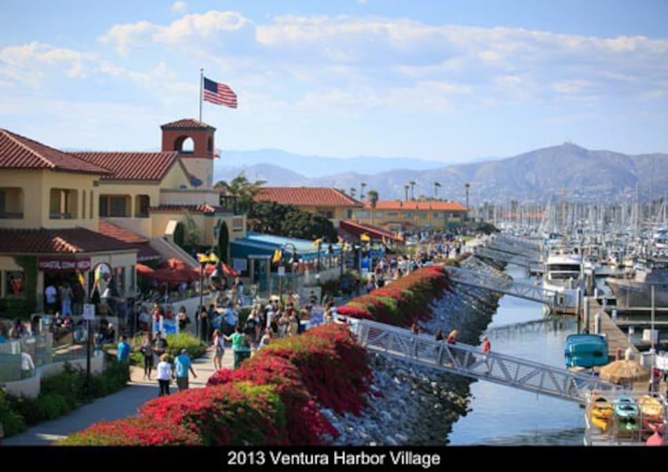 10 minutes from Ventura Harbor Village. Great place for shopping, boating and eating!