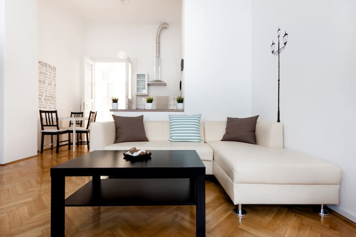 Cosy Central Loft-Book your Summer holiday - Budapest - Loft