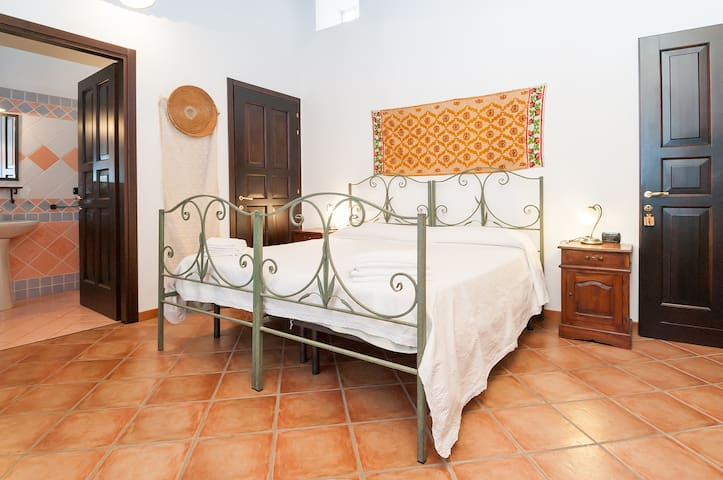 Camera  Su Nuraxi B&B Sa Muredda - Villanovaforru - Bed & Breakfast